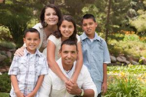 family of 5 smiling